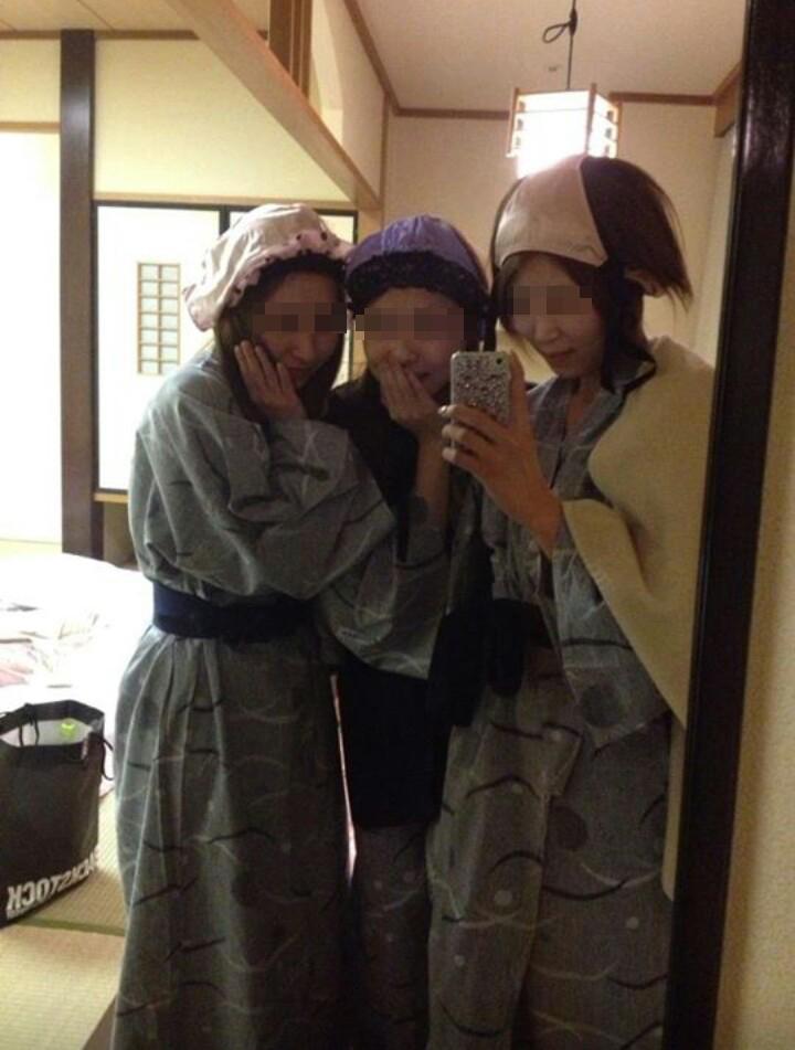 温泉旅館でパンツを被って自撮りする!