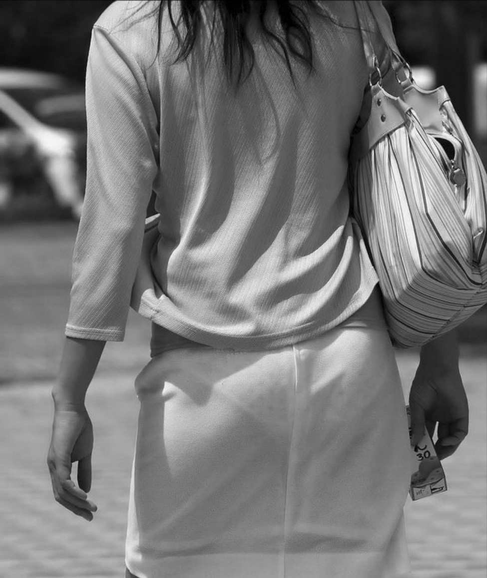 素人女性の水玉模様のパンツが可愛いらしい!