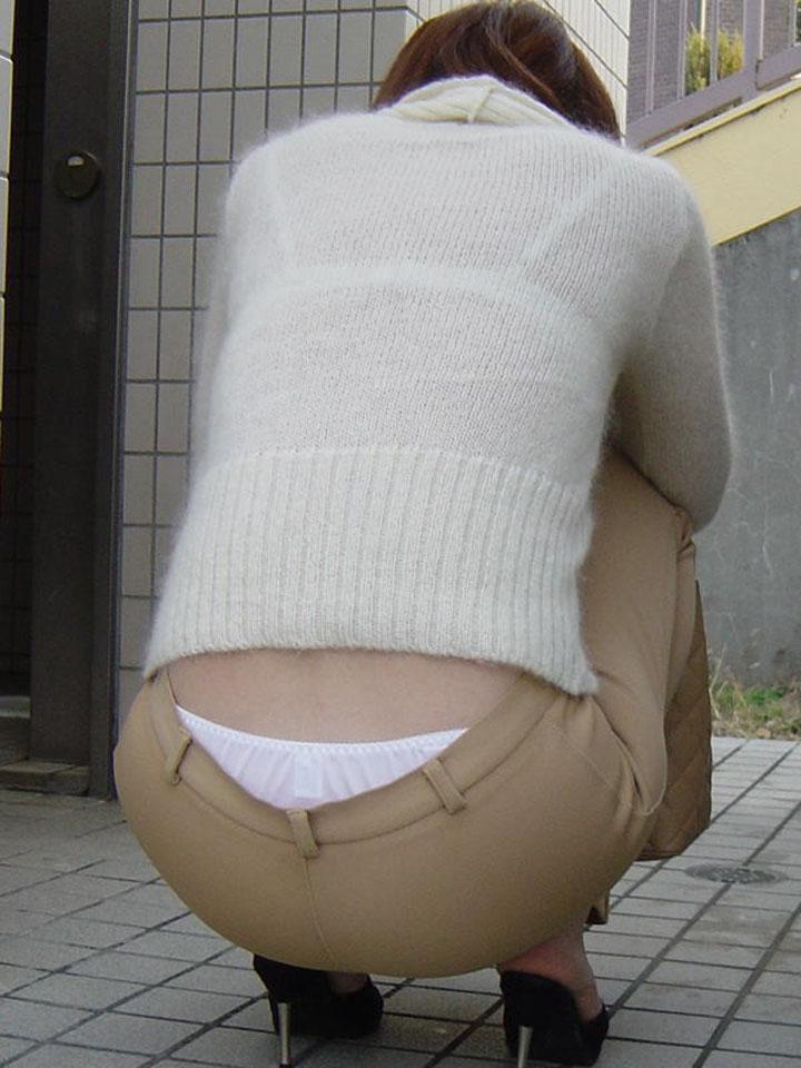 ブラジャーとパンツを同時にガン見できる!