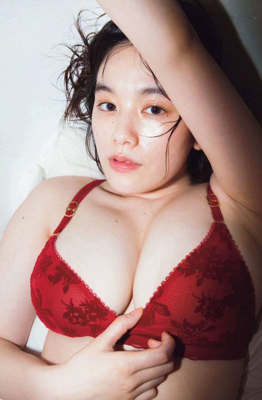筧美和子_巨乳_モデル_グラビア画像_03