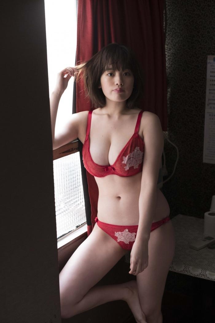 筧美和子_巨乳_モデル_グラビア画像_12