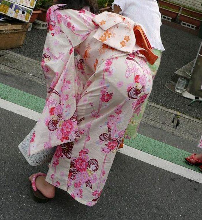 パンツがモロ透けてる浴衣女子を盗撮した街撮り!