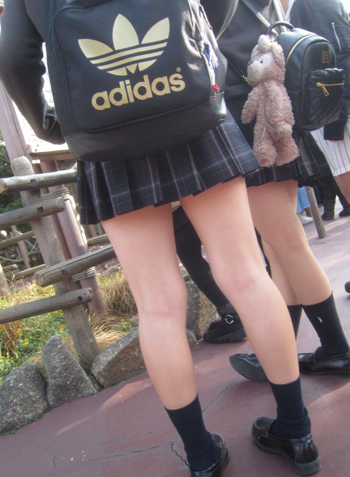 jk エロ 高校3年の激かわ処女JKが鏡の前で自撮りしているエロ画像!生 ...