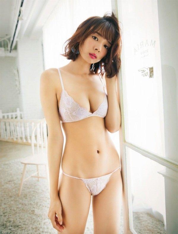 岡田紗佳_モデル_巨乳_グラビアエロ画像_11