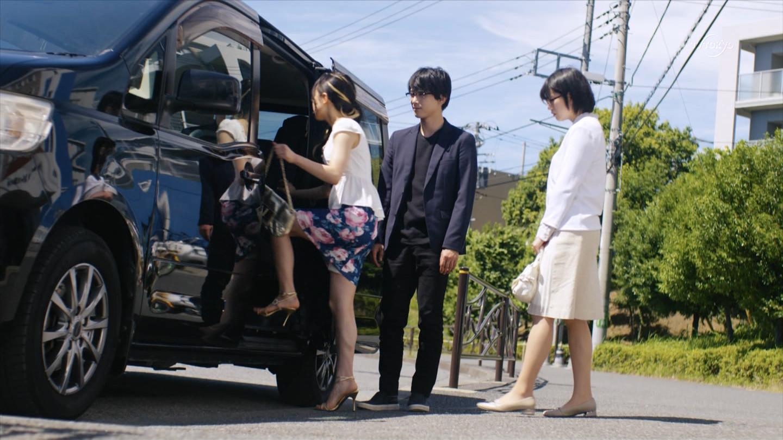 川島海荷_胸チラ_パンチラ_テレビキャプ画像_07