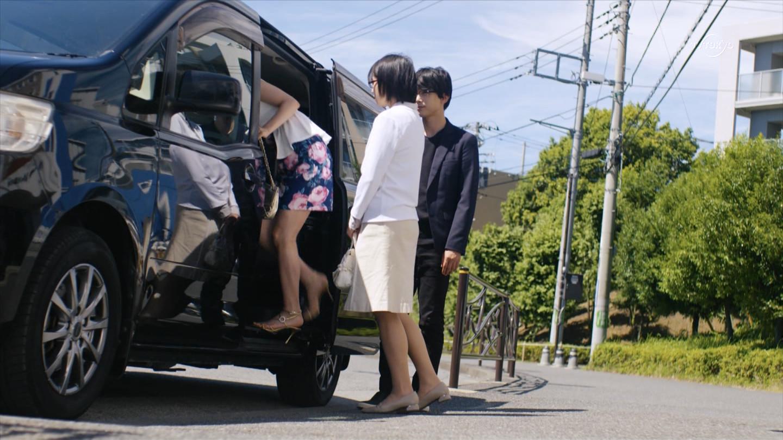 川島海荷_胸チラ_パンチラ_テレビキャプ画像_09