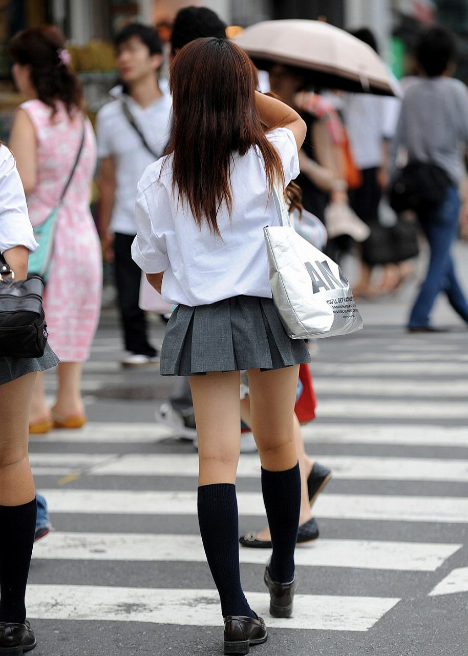 健康的な肉感が理想な太ももした女子校生!