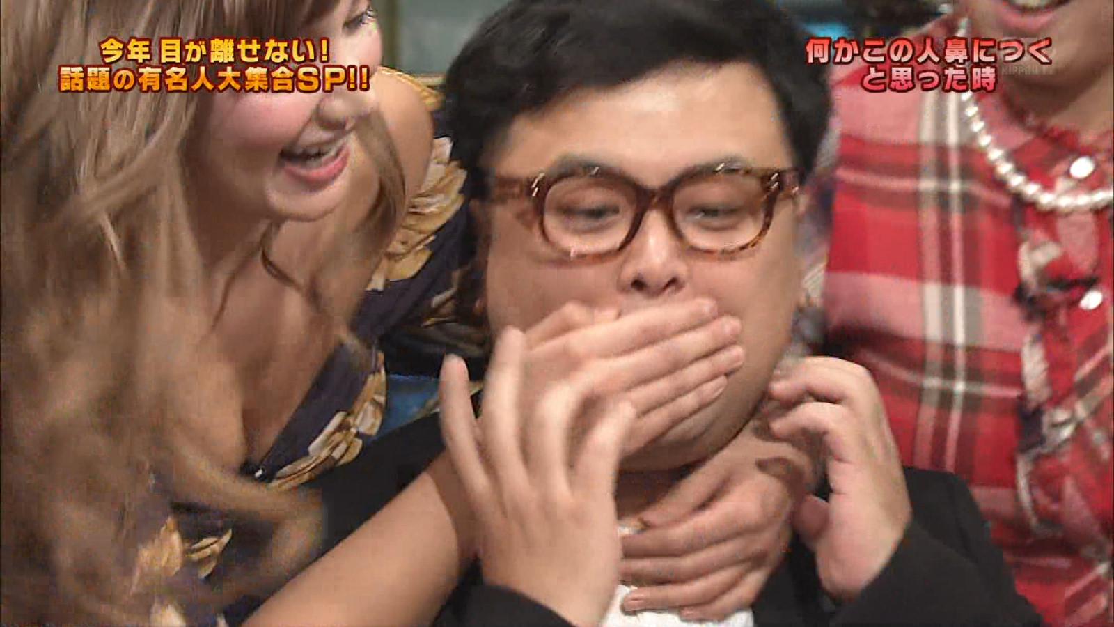 佐藤エリ_谷間_おっぱい_テレビキャプ画像_05