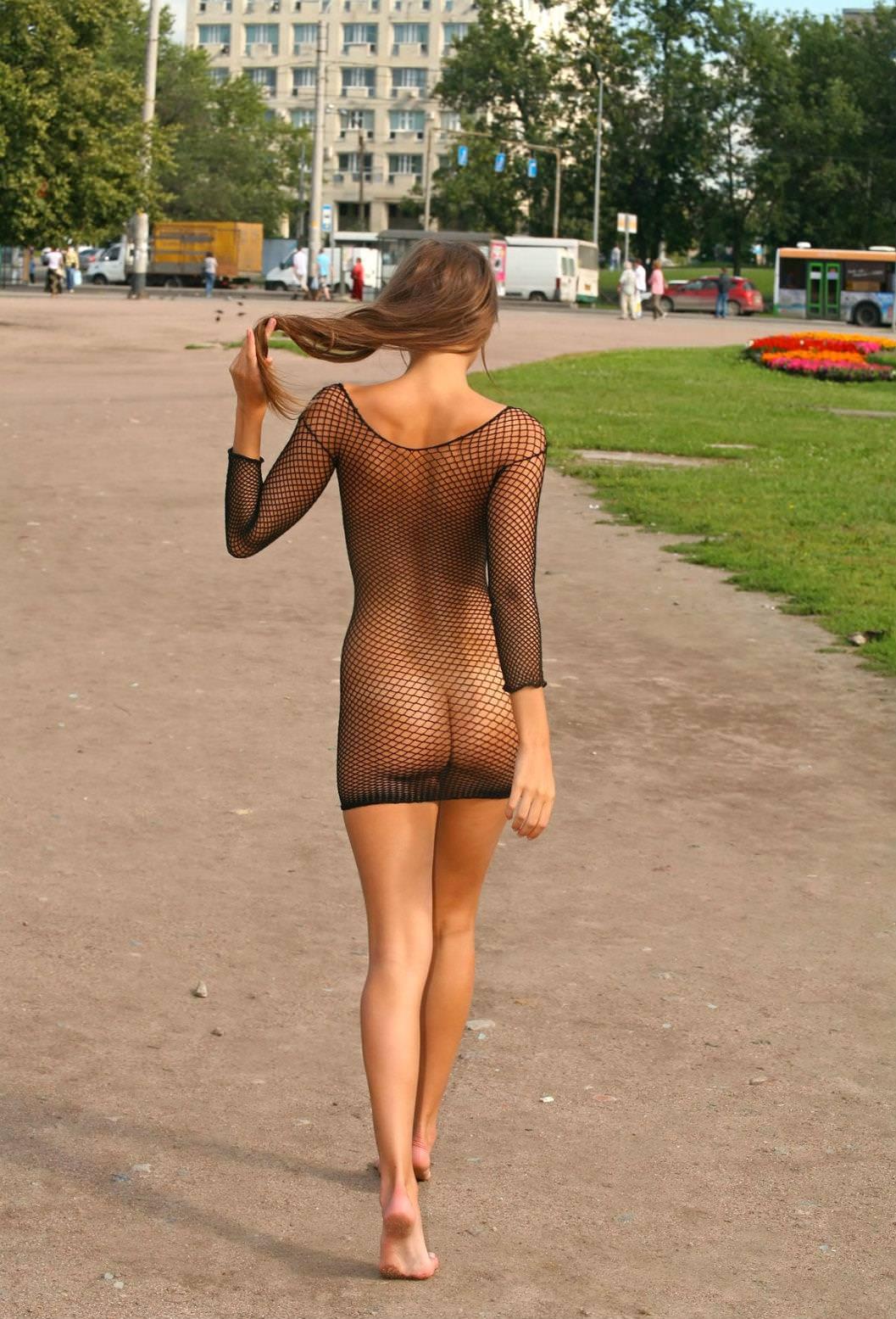 全身網タイツ衣装でお尻が丸みでヤバすぎ!