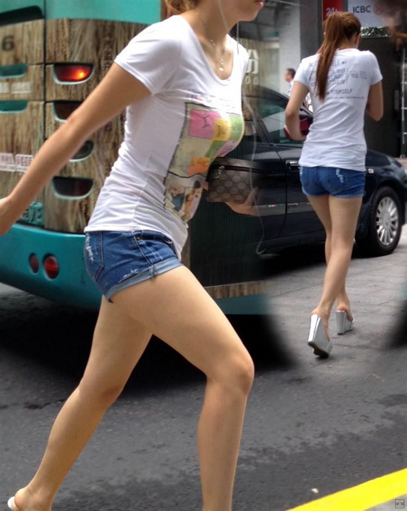 ミニ ショートパンツ 街撮り 短パンからスラリと伸びた美脚が堪らない!