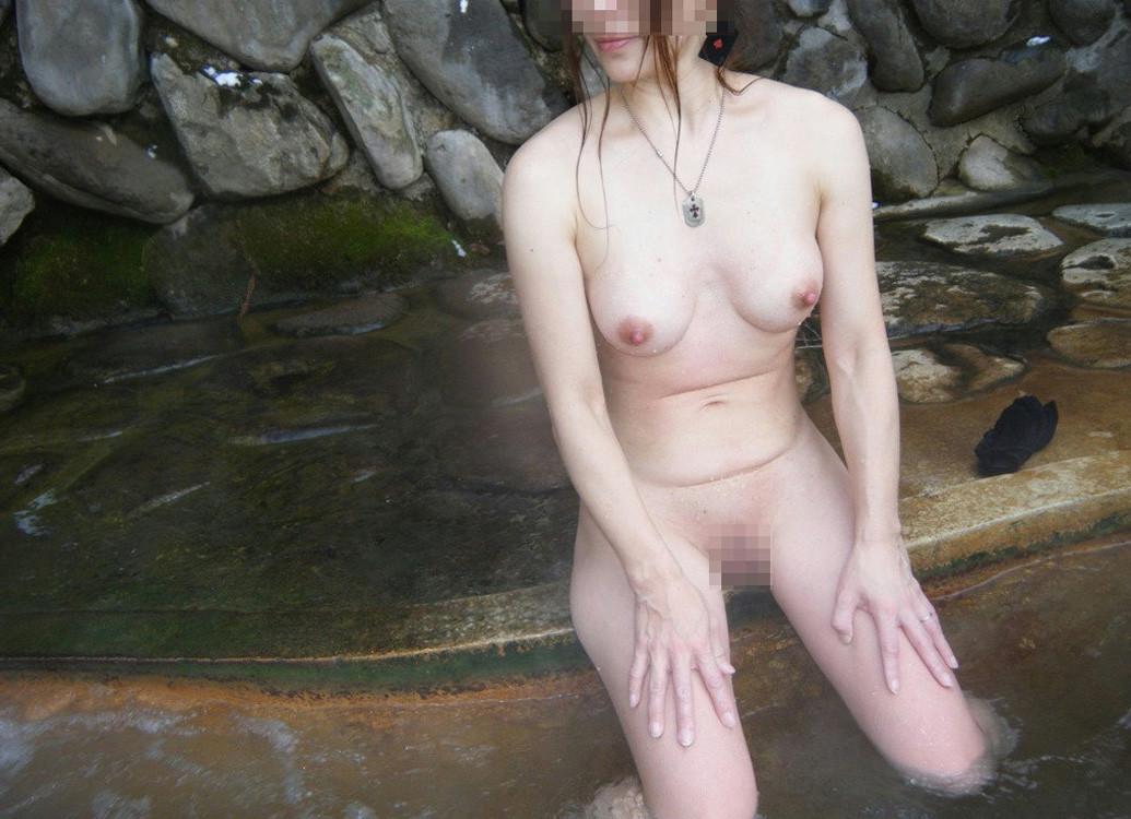 パイパン巨乳の素人女性の裸体が素晴らしい!