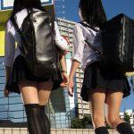 【ミニスカJKエロ画像】女子校生のドスケベな美脚に注目…生足太ももをしっかり目に焼き付けよう!