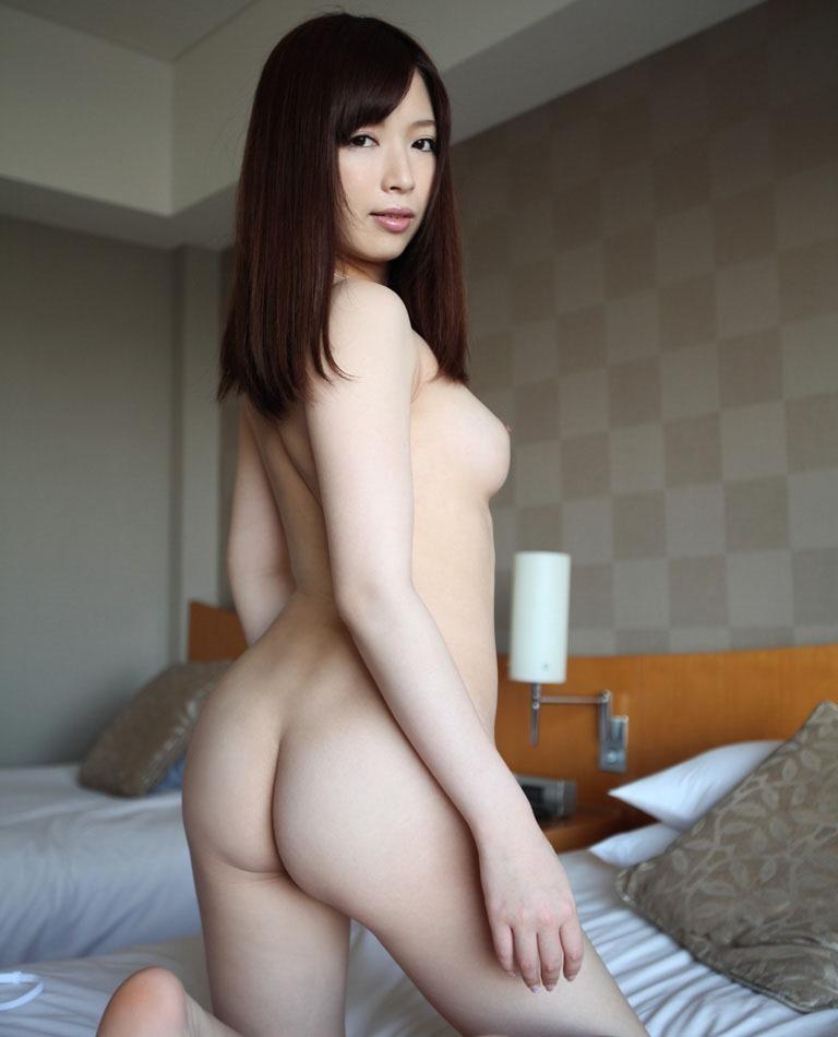 スタイル抜群の美女のイヤらしいお尻!