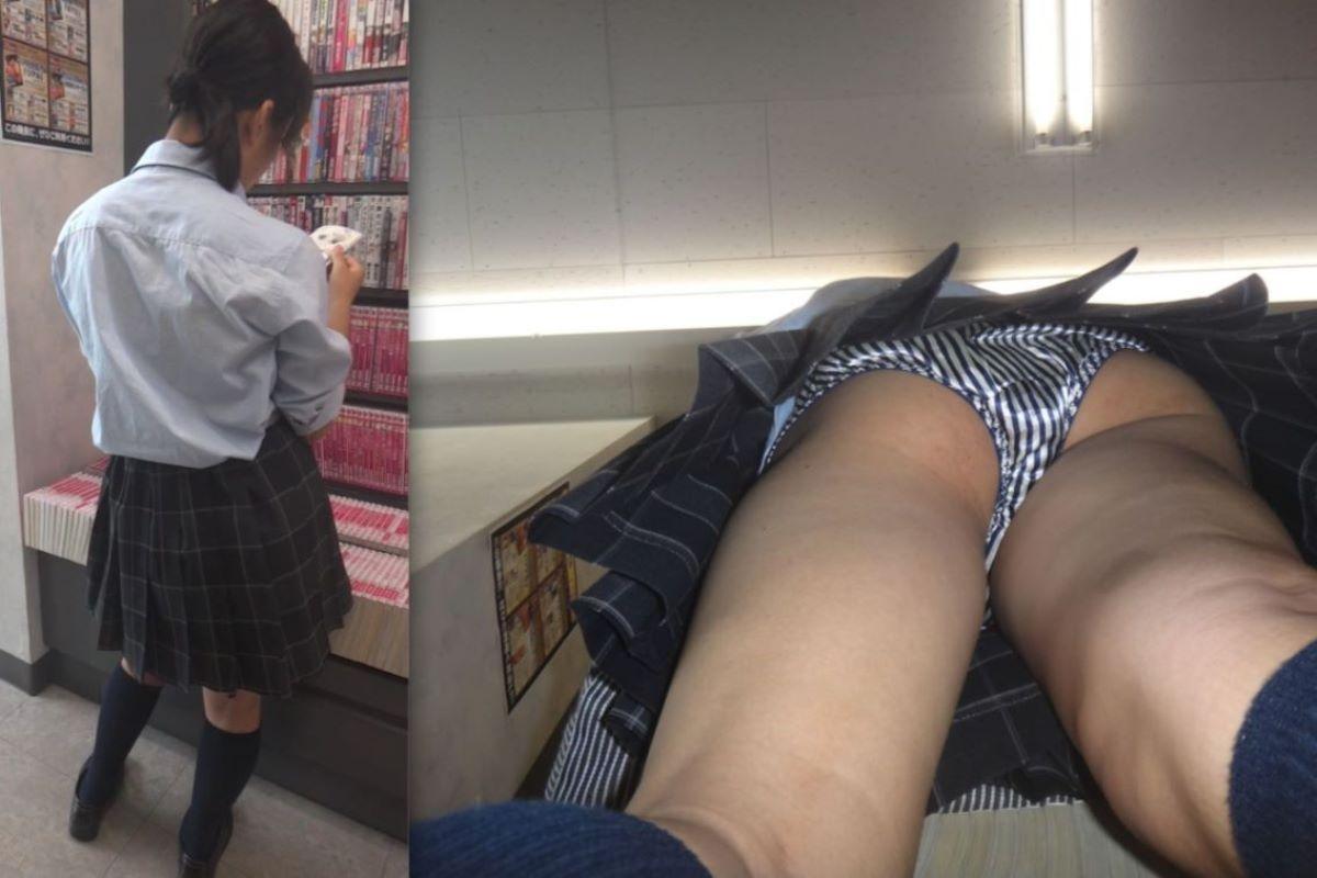 本屋で漫画を立ち読みしてる制服JKを逆さ撮り!