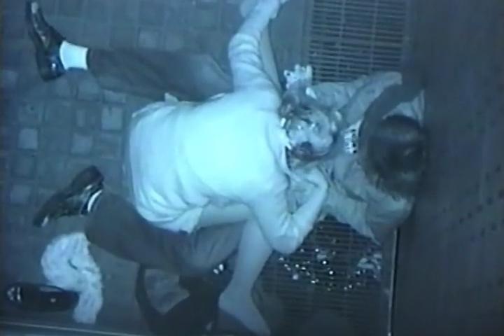 JK彼氏のチンポをフェラするJK彼女を真上から盗撮!