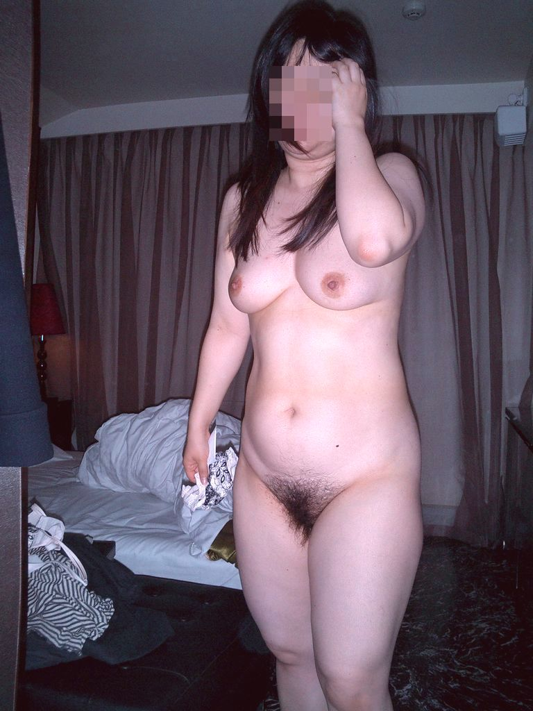 美熟女の全裸ヌードがエッチで堪らない!
