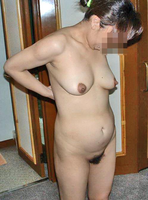熟女ならではの垂れ乳がかなりイヤらしい!