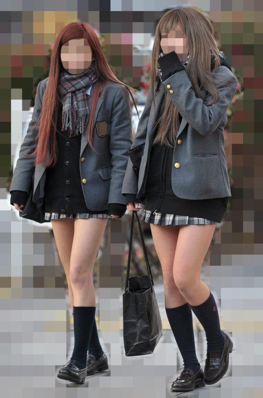 普通の女子校生なのに美脚がエロい街撮り!