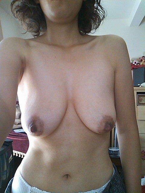 素人おばさんの垂れ乳を堪能できる!