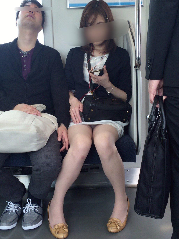 スタイル良い美脚お姉さんの下着が最高!