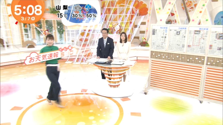 阿部華也子_キャスター_着衣巨乳_めざましテレビ_01