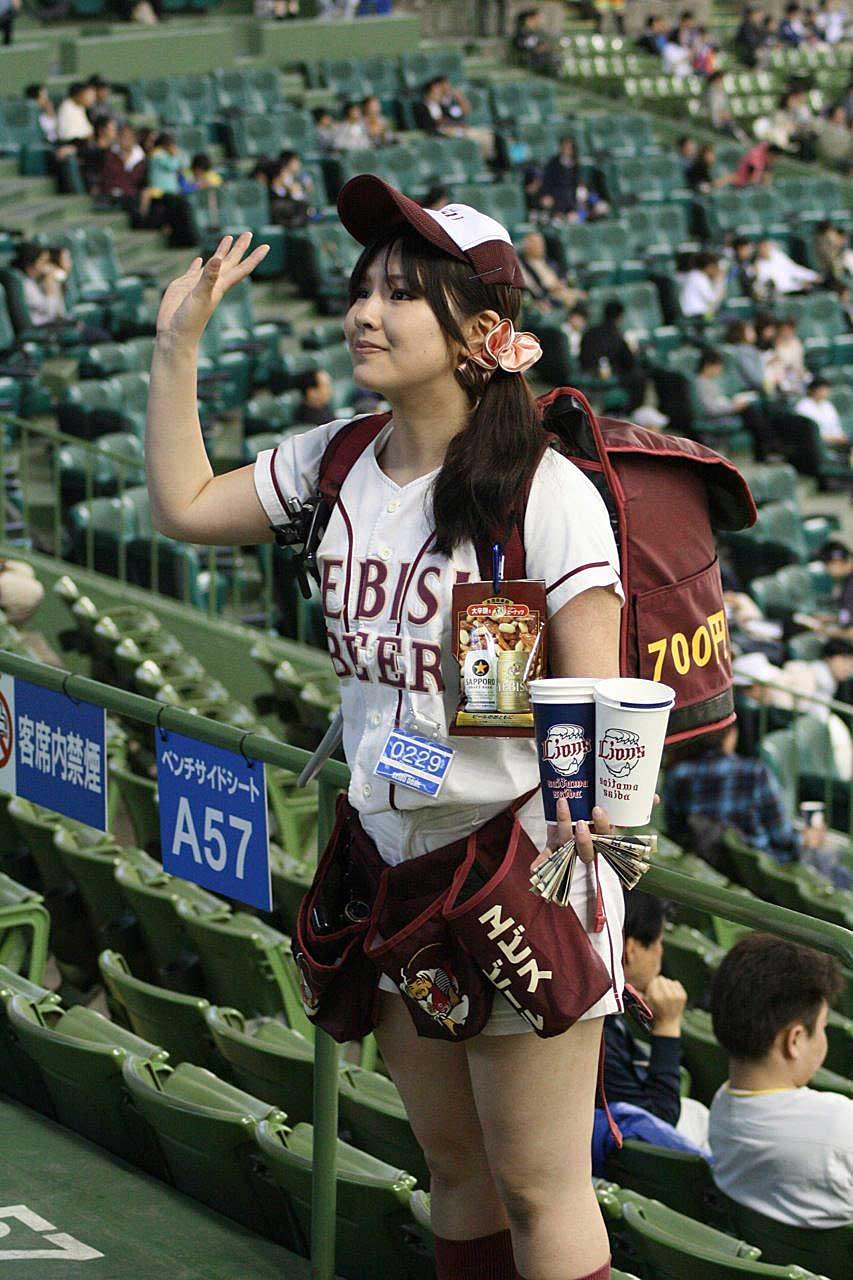 ビール売り娘エロ