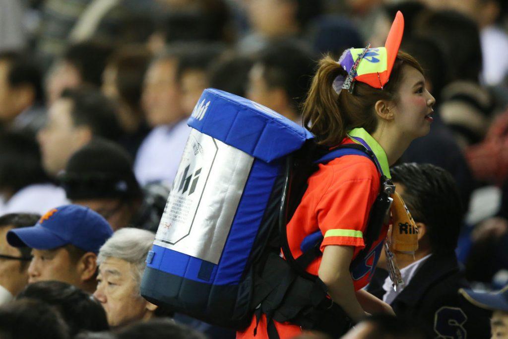 プロ野球の売り子が激カワすぎる件!