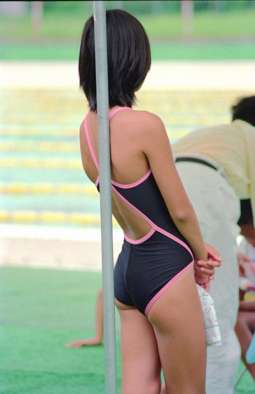日焼けスク水少女のボディが素敵!