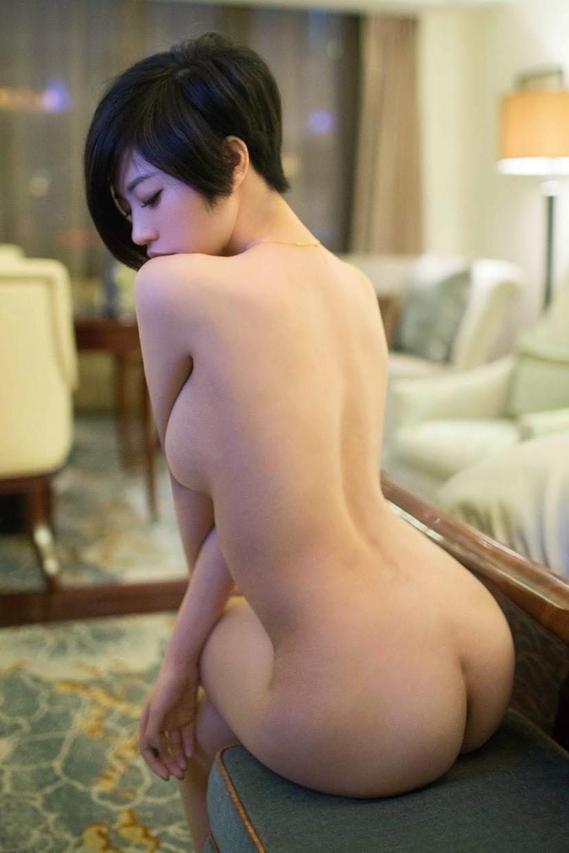 色気ある美女のセクシー美尻に釘付け!