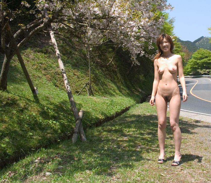 モデル体型のお姉さんの全裸ヌードが堪らん!