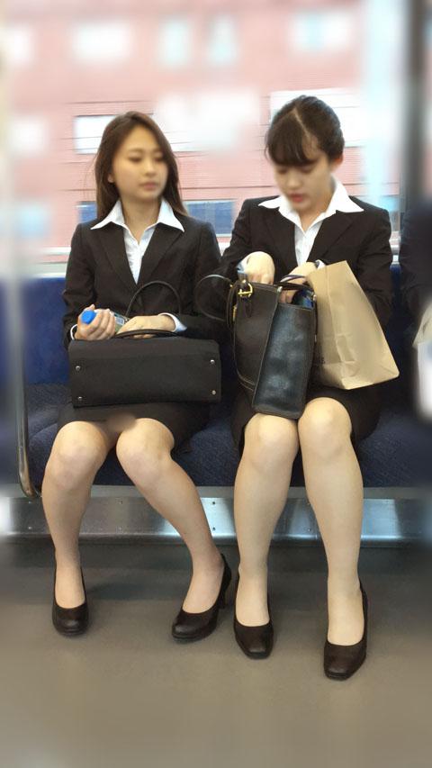 色気あるお姉さん達のモデル級の美脚を盗撮!
