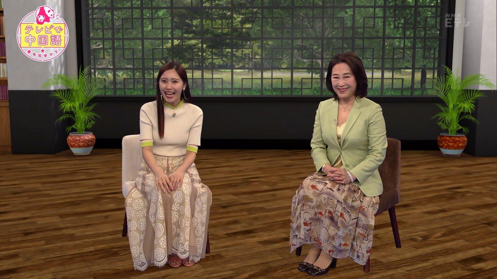 佐野ひなこ_ニット_おっぱい_テレビで中国語_10