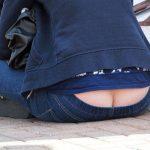 【ローライズ盗撮エロ画像】素人女性の際どいパンティーを確認…エッチ過ぎて立ち止まるwww