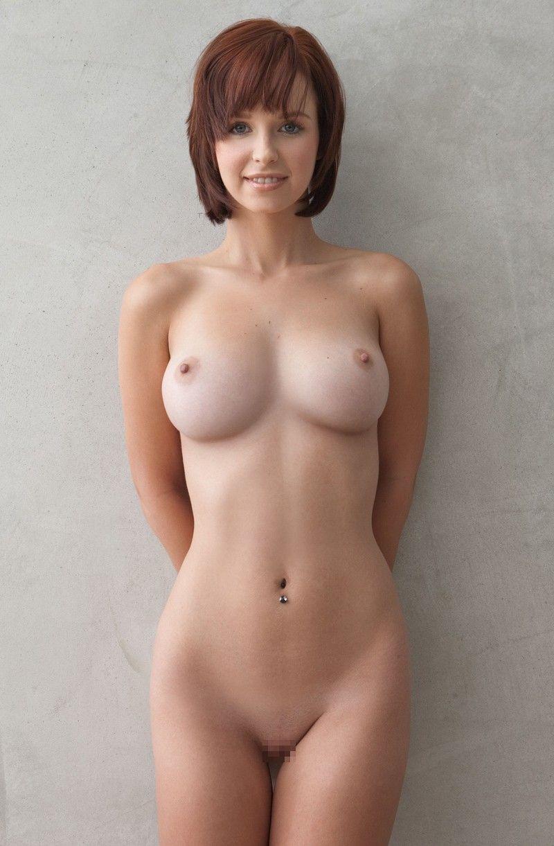 オッパイの形が綺麗なパイパン外国人って最高!