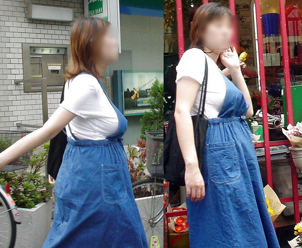 巨乳女性が街を歩くだけで男の視線を集める!