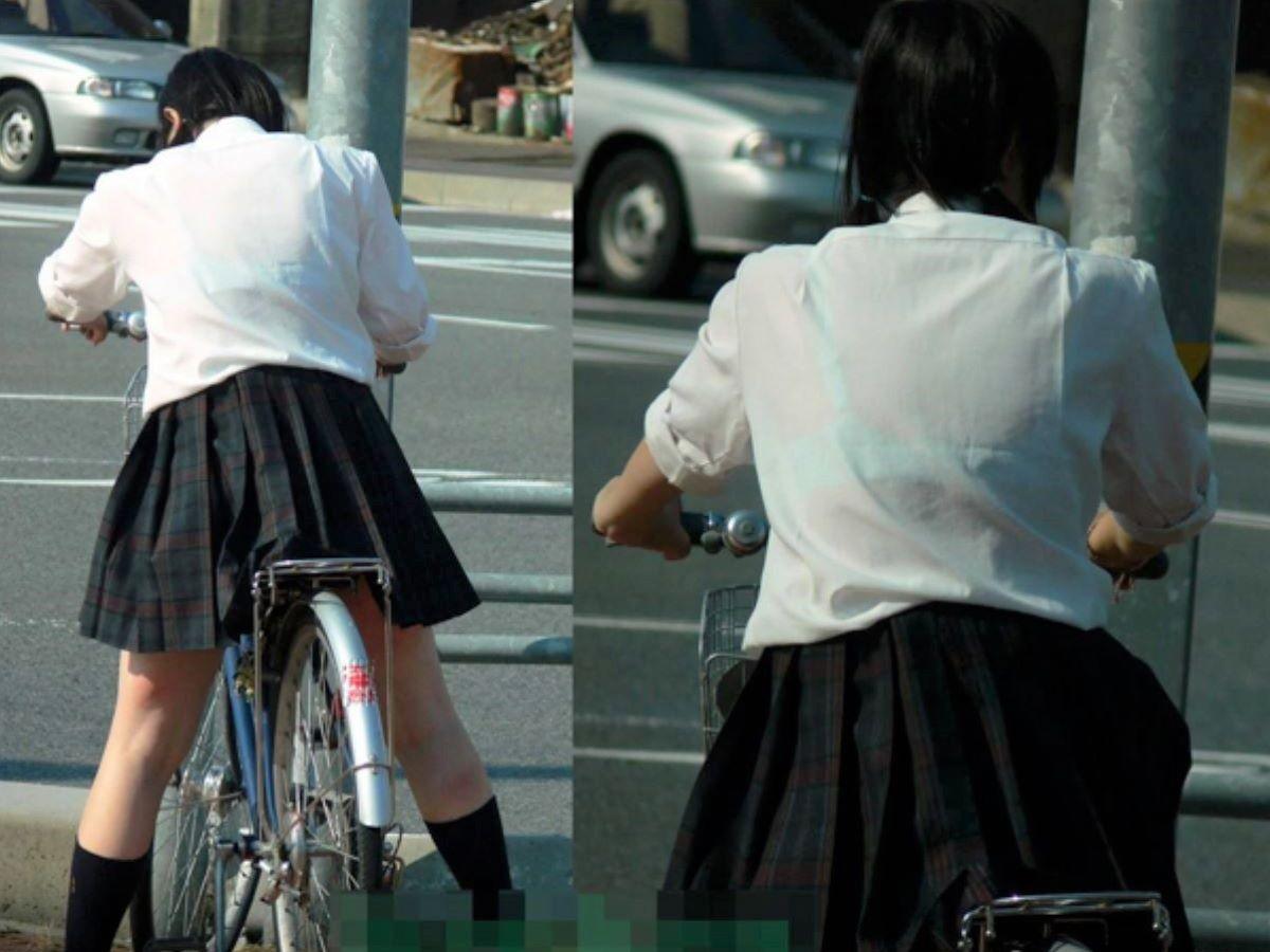 自転車通学してるJKの透けブラを盗撮!