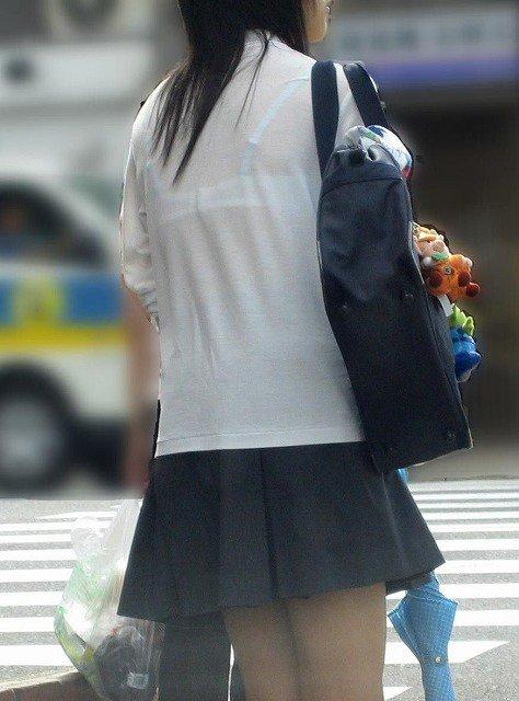 街中でJKのブラが透け透けだったから盗撮!