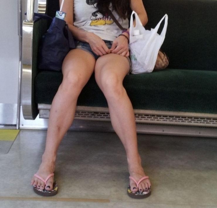 ショートパンツを履くと美脚が際立つね!