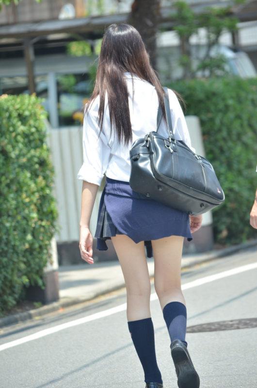 理想的な足の太さを持ってる女子校生!