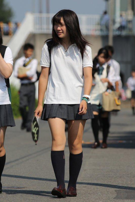 女子校生の艶めかしい美脚が堪らんよ!