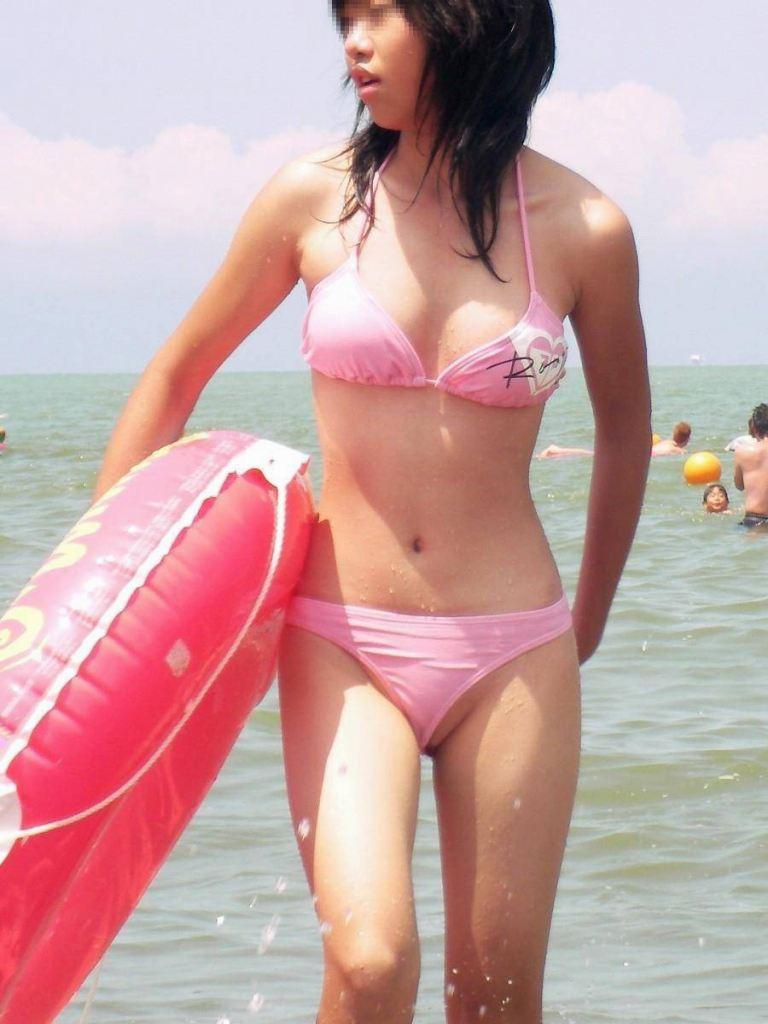 素人女性のピンクのビキニ水着がいいね!