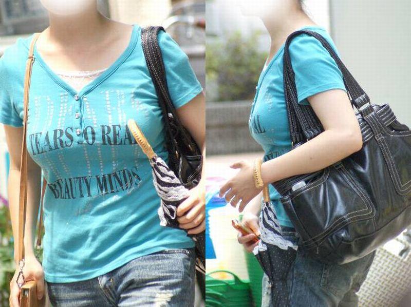 街中で女性の着衣巨乳を見つけて凝視!