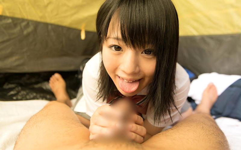笑顔でフェラチオしてる女子校生に惚れる!