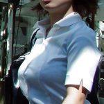 【OL着衣巨乳エロ画像】ビジネス街を歩くデカパイのオフィスレディを街撮りしたった!