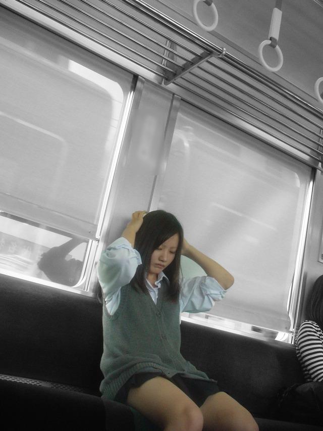 激カワJKのセクシー美脚をスマホカメラで撮る!
