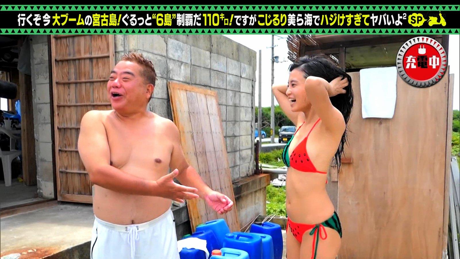 小島瑠璃子_ビキニ水着_お尻_キャプエロ画像_18
