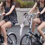 【自転車パンチラ盗撮エロ画像】街中でこれを見れた瞬間はマジで感動するし、必死に目に焼き付けるわwww