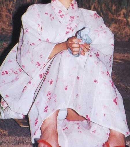 浴衣には純白下着が良く似合ってる!