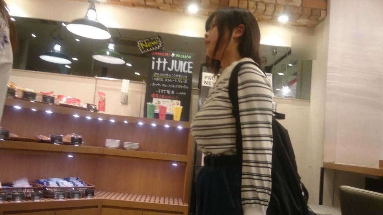 素人女子の着衣横乳がマジで堪らない!