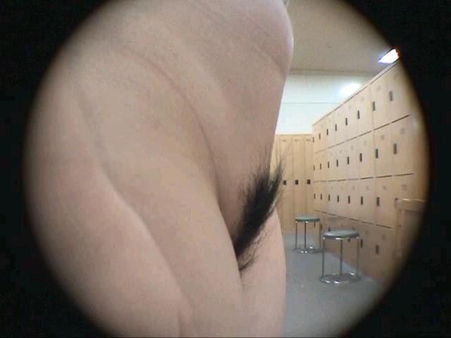 女性のマン毛をドアップで隠し撮り!